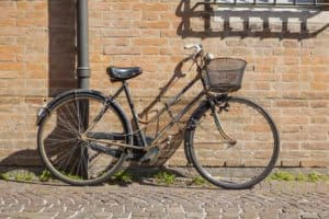 How to Keep a Bike From Rusting Outside