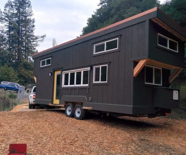 What Vehicles Can Tow a Tiny House? (10 Examples with Pictures)